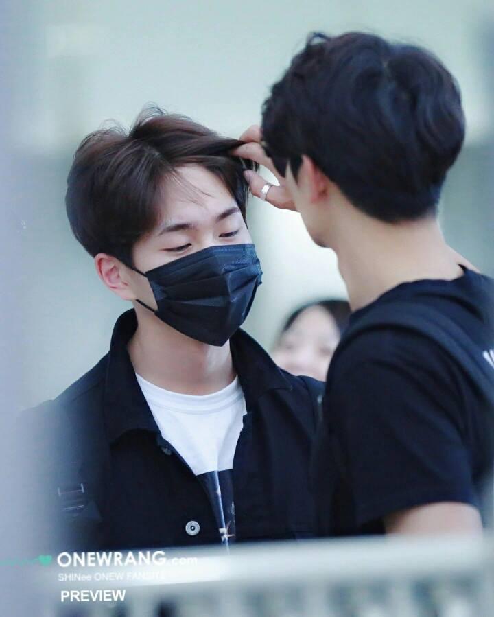 [IMG/160718] Onew, Jonghyun, Key, Minho @Aeropuerto de Kansai e Incheon (Jap-Cor) DjZXdkn4