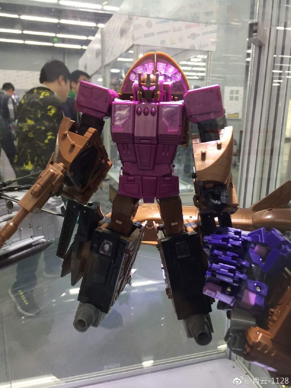 [Zeta Toys] Produit Tiers - Armageddon (ZA-01 à ZA-05) - ZA-06 Bruticon - ZA-07 Bruticon ― aka Bruticus (Studio OX, couleurs G1, métallique) 1Q0jgAz8