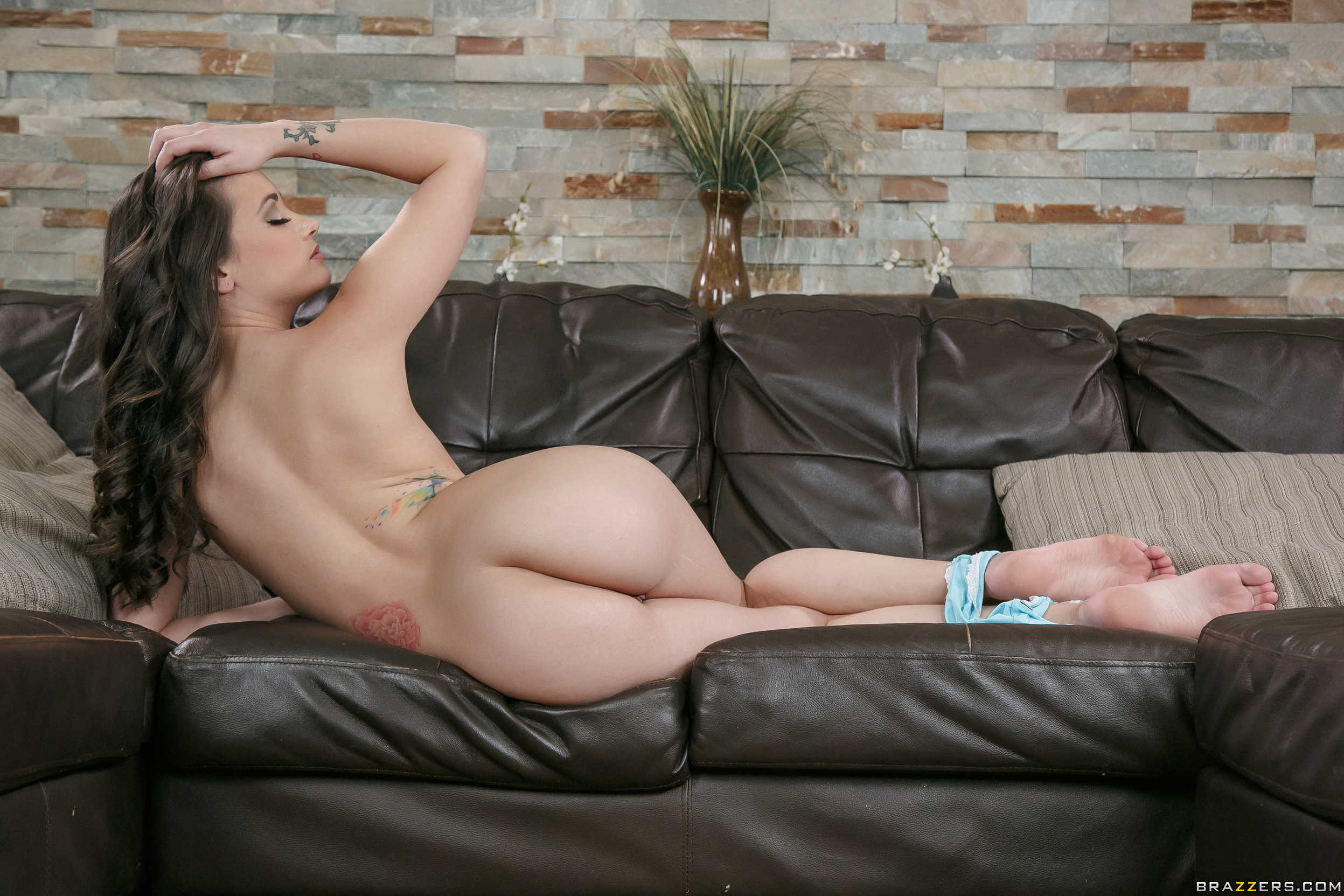Gia Paige - el arte de enseñar la conchita