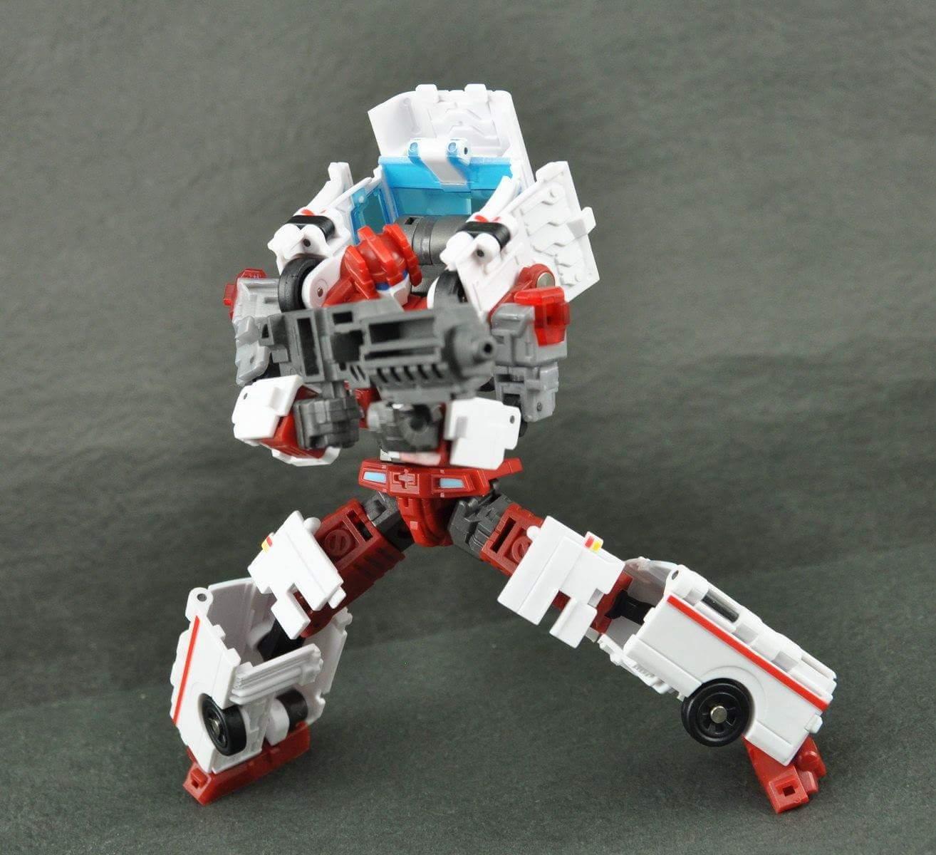 [MakeToys] Produit Tiers - Jouet MTCM-04 Guardia (aka Protectobots - Defensor/Defenso) - Page 3 Y3qUnAdP