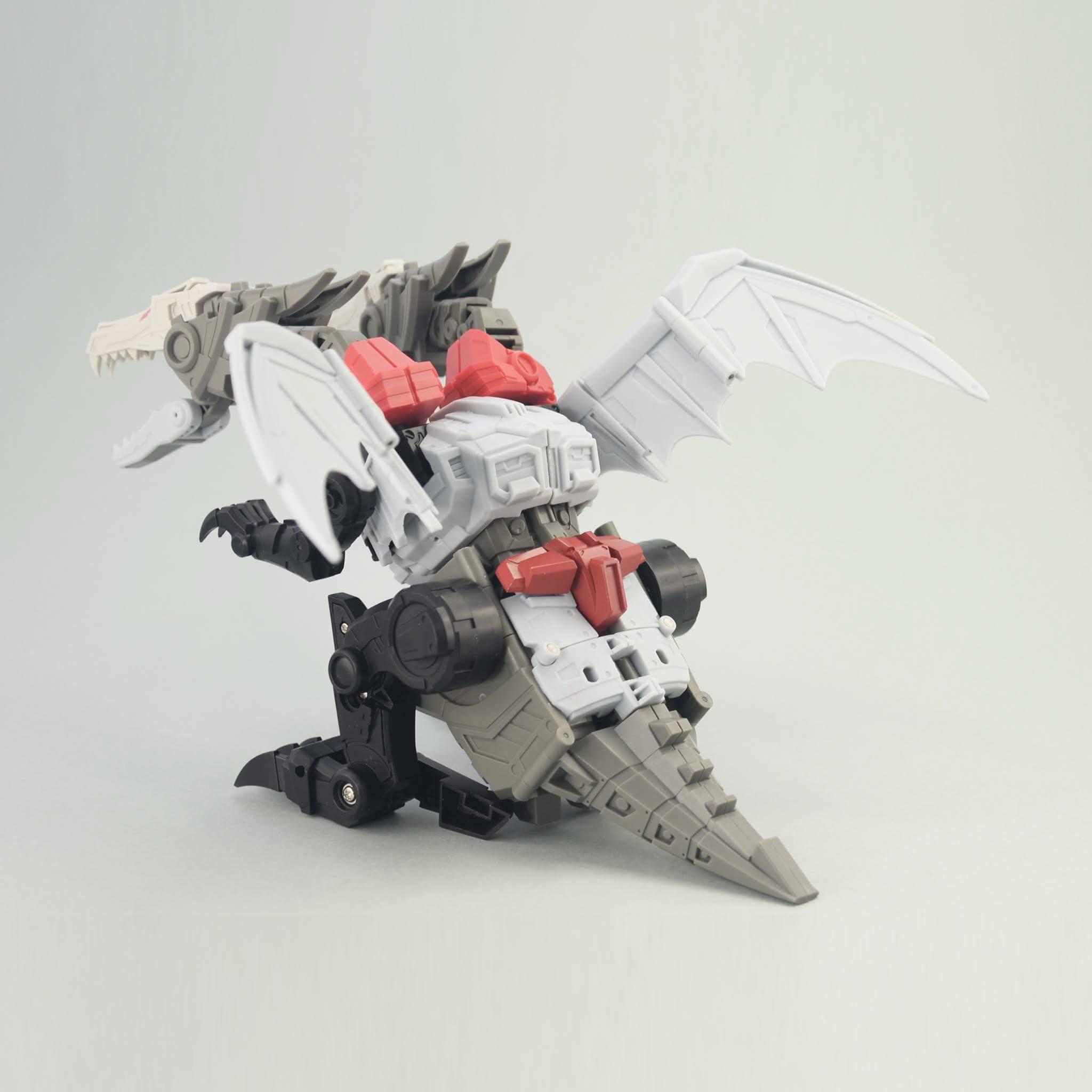 [FansHobby] Produit Tiers - Master Builder MB-02/03/05 - aka Monsterbots/Monstrebots - Page 2 BpeyMyTk