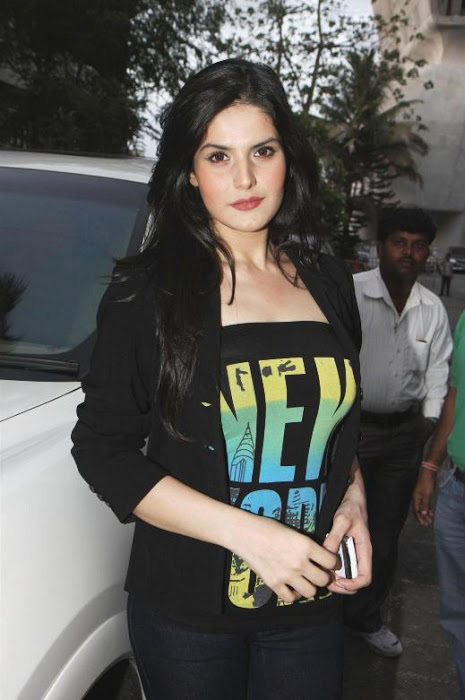 Zarine Khan at Wold No Tobacco Day Concert Pics AcsqLmhX