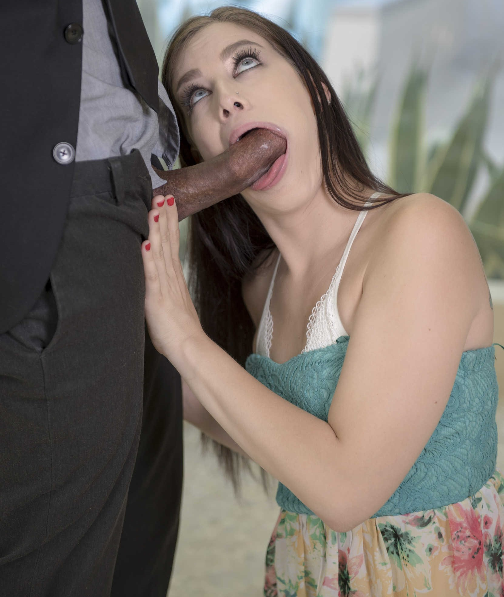 Bobbi Dylan - una verga negra para su boca y conchita