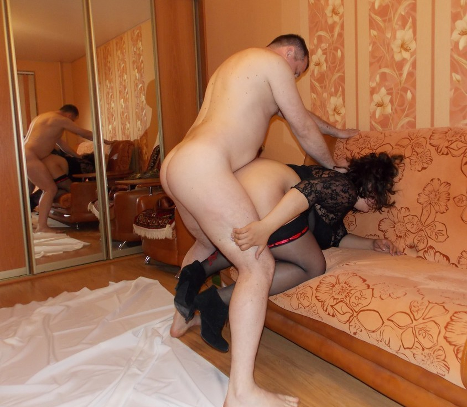 Секс жены соседа — img 10