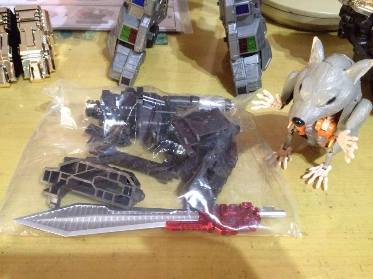 [GCreation] Produit Tiers - Jouet ShuraKing - aka Combiner Dinobots - Page 3 LQlG8wFY