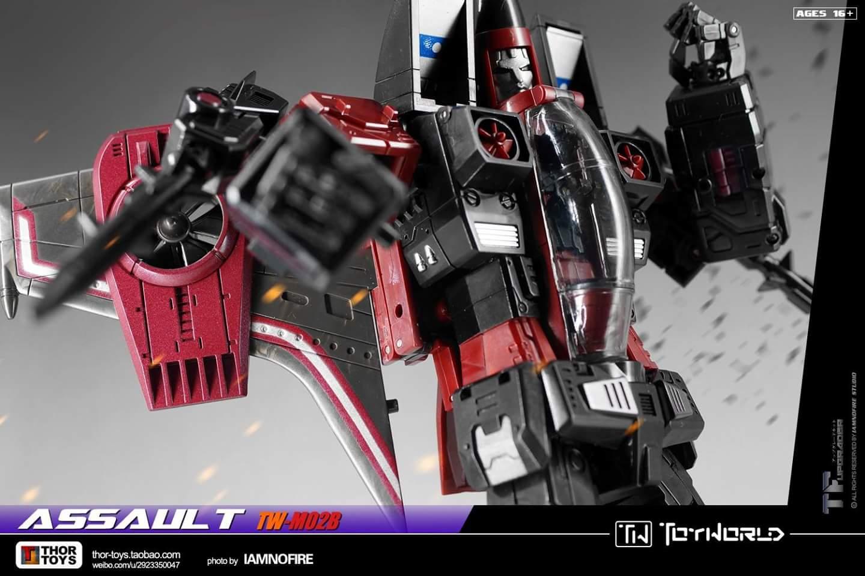 [ToyWorld] Produit Tiers - TW-M02A Combustor (Ramjet/Statoréacto), TW-M02B Assault (Thrust/Fatalo), TW-M02C Requiem (Dirge/Funébro) - Page 3 Tz0jwbuq