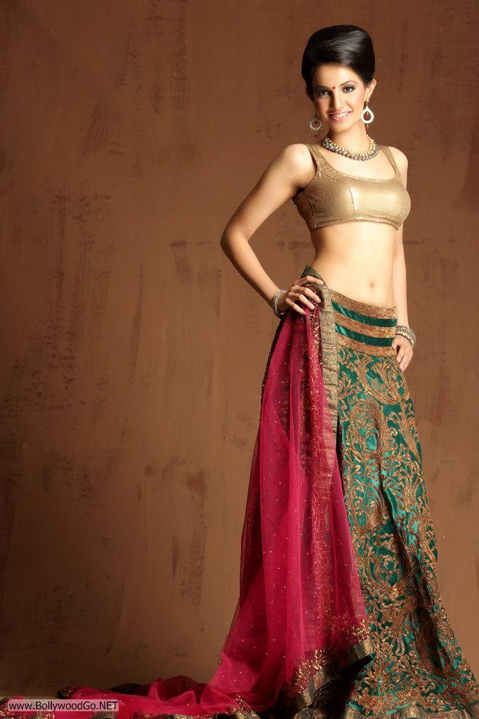 Actress and Model Lekhika Sizzles in Portfolio Photoshoot AdqDl36e