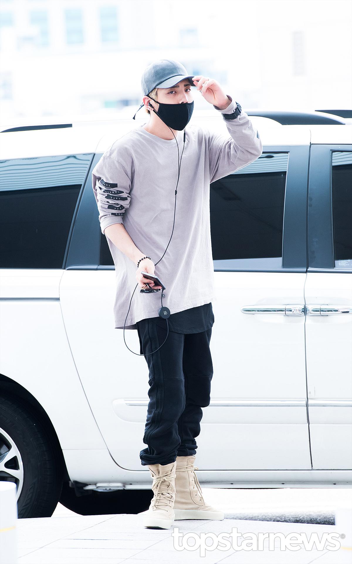 [IMG/160715] Jonghyun, Key @ Aeropuerto Incheon hacia Japón. H34c67lM