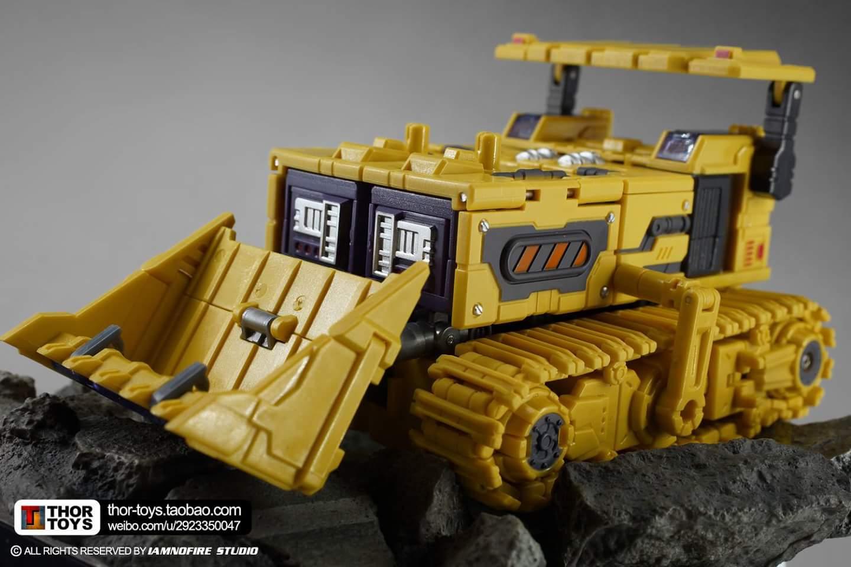 [Toyworld] Produit Tiers - Jouet TW-C Constructor aka Devastator/Dévastateur (Version vert G1 et jaune G2) - Page 8 SaZWIlDl