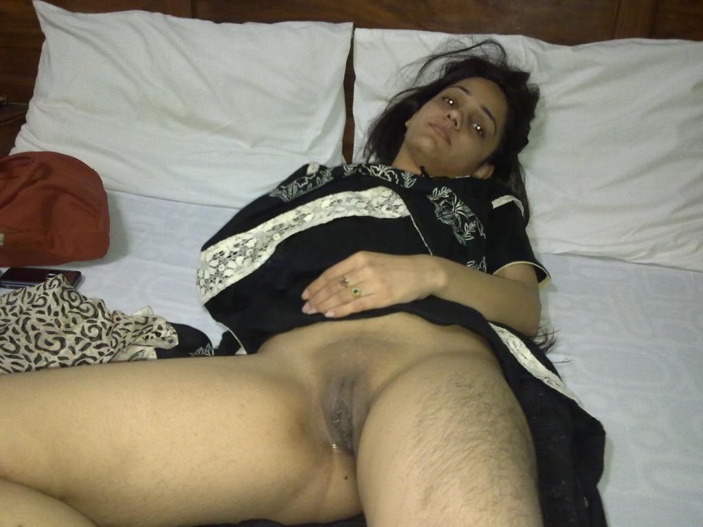 Sexy kurdish hijab housewife ala kareem masturbation9 - 4 3