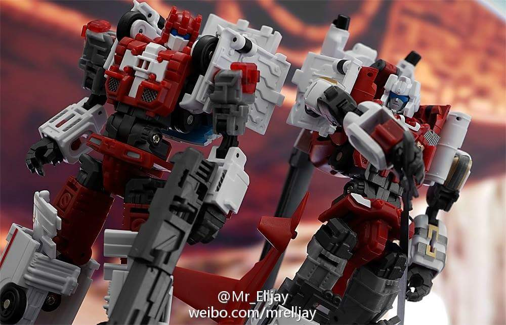 [MakeToys] Produit Tiers - Jouet MTCM-04 Guardia (aka Protectobots - Defensor/Defenso) - Page 3 HqdL3nza