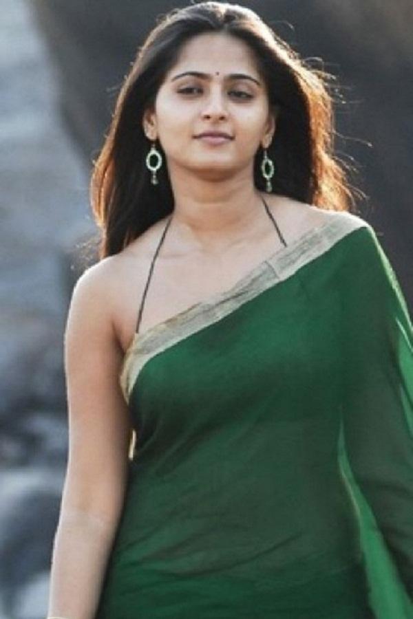 Anushka Shetty Hot in Saree#3 7 images AcoFyUd8