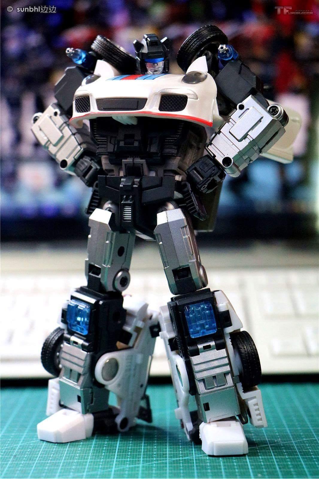 [Generation Toy] Produit Tiers - Jouets TF de la Gamme GT - des BD TF d'IDW - Page 2 M1I3ckFw