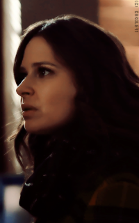 Katie Lowes XYrBS5zp