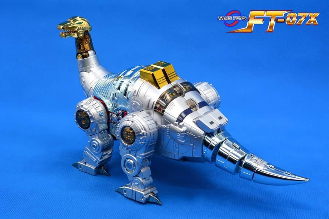 [Fanstoys] Produit Tiers - Dinobots - FT-04 Scoria, FT-05 Soar, FT-06 Sever, FT-07 Stomp, FT-08 Grinder - Page 9 LqlwvqnU