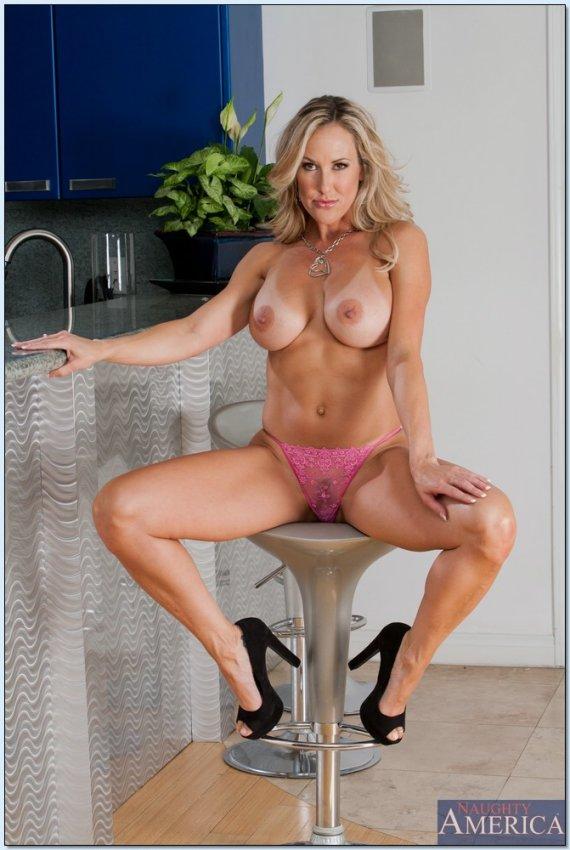 Brandi Love Hot Mom