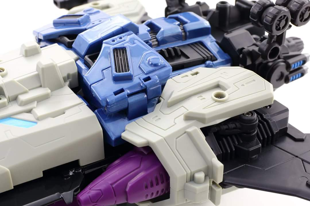[Mastermind Creations] Produit Tiers - R-17 Carnifex - aka Overlord (TF Masterforce) - Page 3 GixphdCY