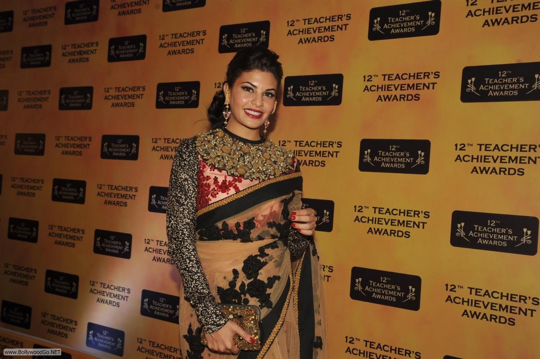 Jacqueline Fernandez at Teachers Awards 2013 AbdIvZ7s