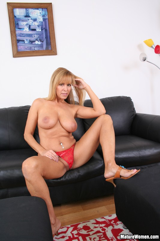 Mature blonde nicole busty