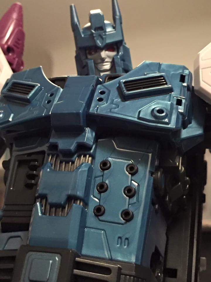 [Mastermind Creations] Produit Tiers - R-17 Carnifex - aka Overlord (TF Masterforce) - Page 3 JJ0BMBeH
