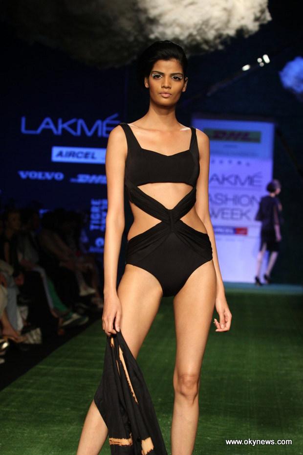 Celebs Hot at Lakme Fashion Week Photos AdtXXs7X