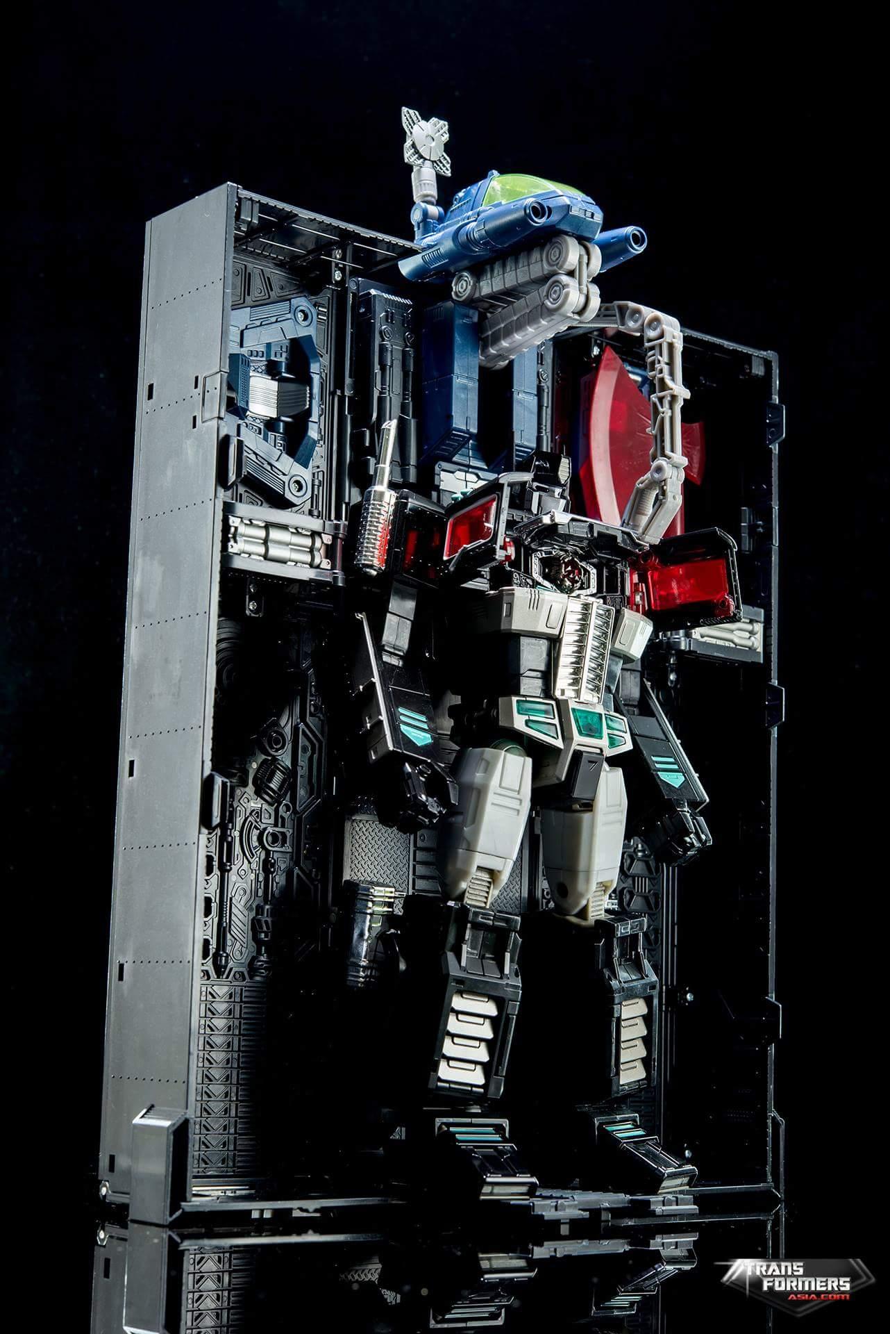 [Masterpiece] MP-10B | MP-10A | MP-10R | MP-10SG | MP-10K | MP-711 | MP-10G | MP-10 ASL ― Convoy (Optimus Prime/Optimus Primus) - Page 4 4QF4y0De