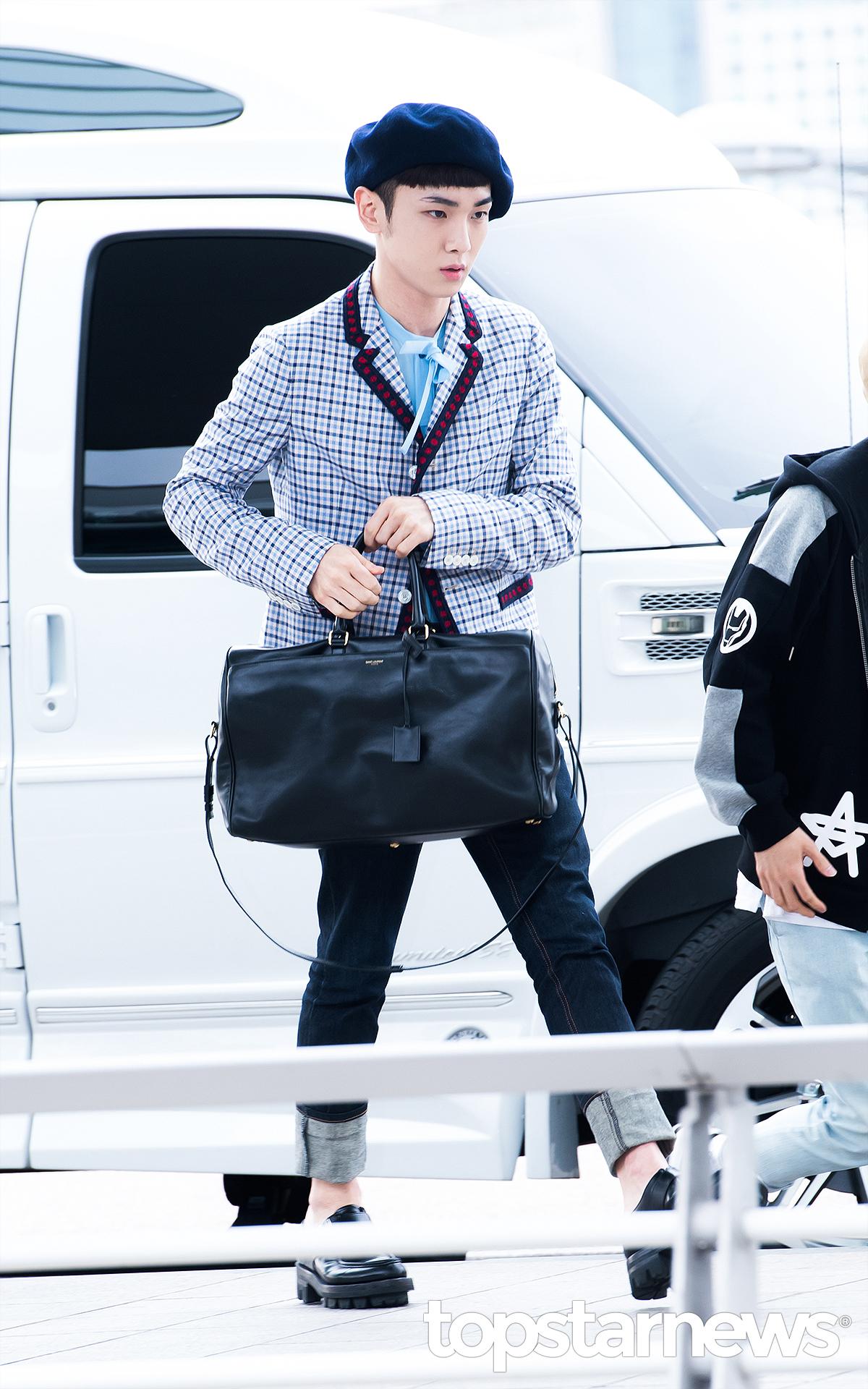 [IMG/160715] Jonghyun, Key @ Aeropuerto Incheon hacia Japón. UvFl2QkS