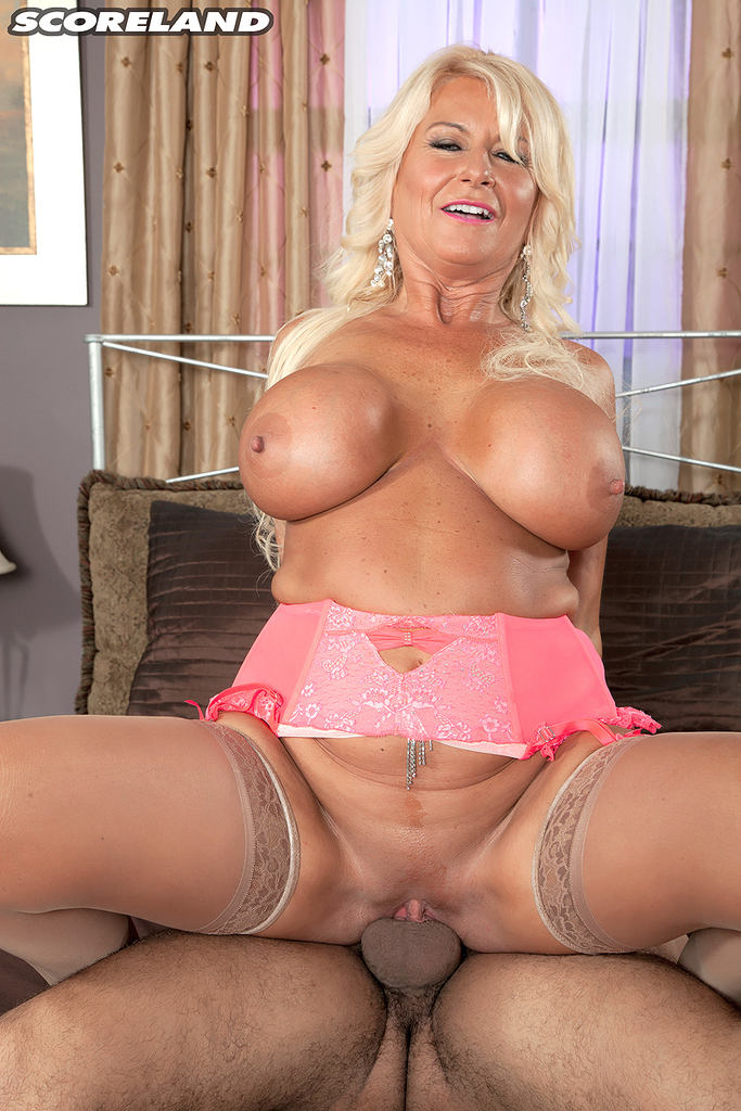 50 yr old mature shopping 8