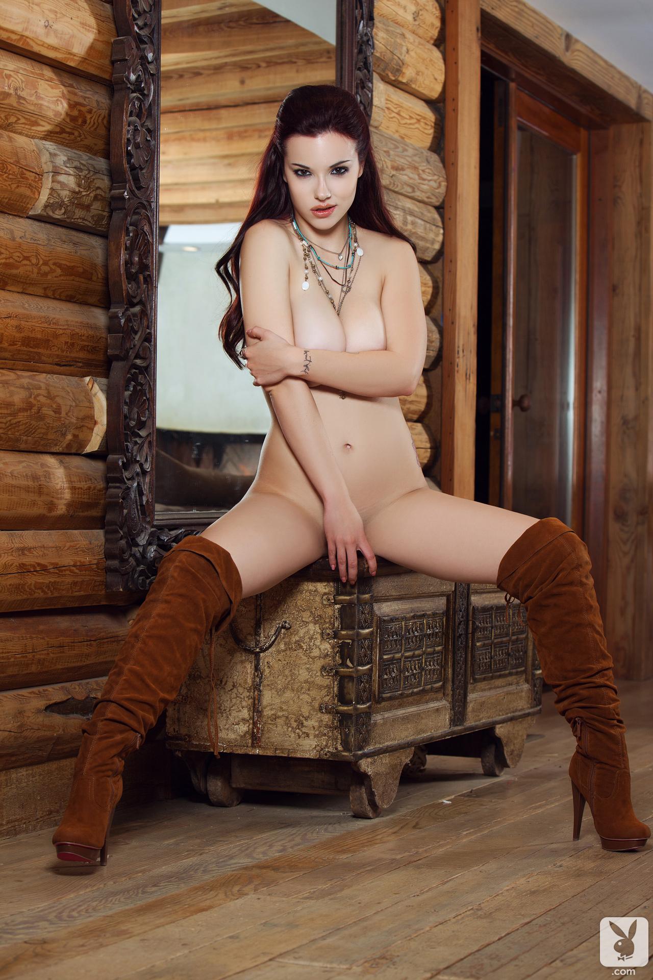ace2bNXW Diosa de Playboy, Imperdible (0 puntos)