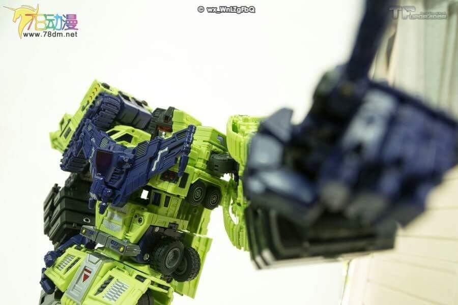 [Toyworld] Produit Tiers - Jouet TW-C Constructor aka Devastator/Dévastateur (Version vert G1 et jaune G2) - Page 7 H0I1miU5