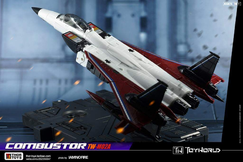 [ToyWorld] Produit Tiers - TW-M02A Combustor (Ramjet/Statoréacto), TW-M02B Assault (Thrust/Fatalo), TW-M02C Requiem (Dirge/Funébro) - Page 3 CJ52Ks2S