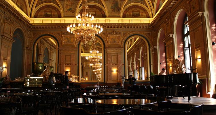 koffiehuizen Boedapest: The Book Café