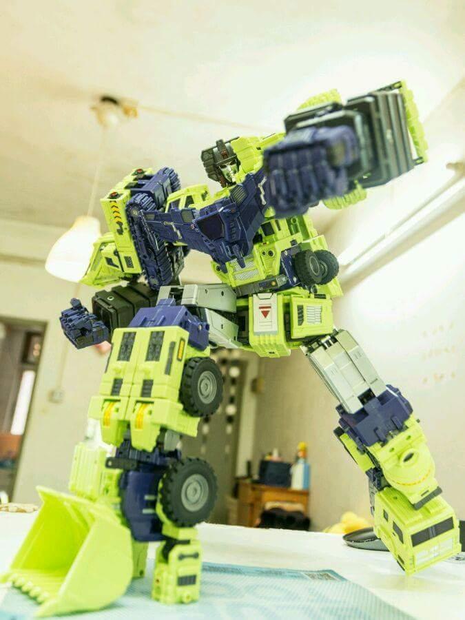 [Toyworld] Produit Tiers - Jouet TW-C Constructor aka Devastator/Dévastateur (Version vert G1 et jaune G2) - Page 7 85XUMAhZ