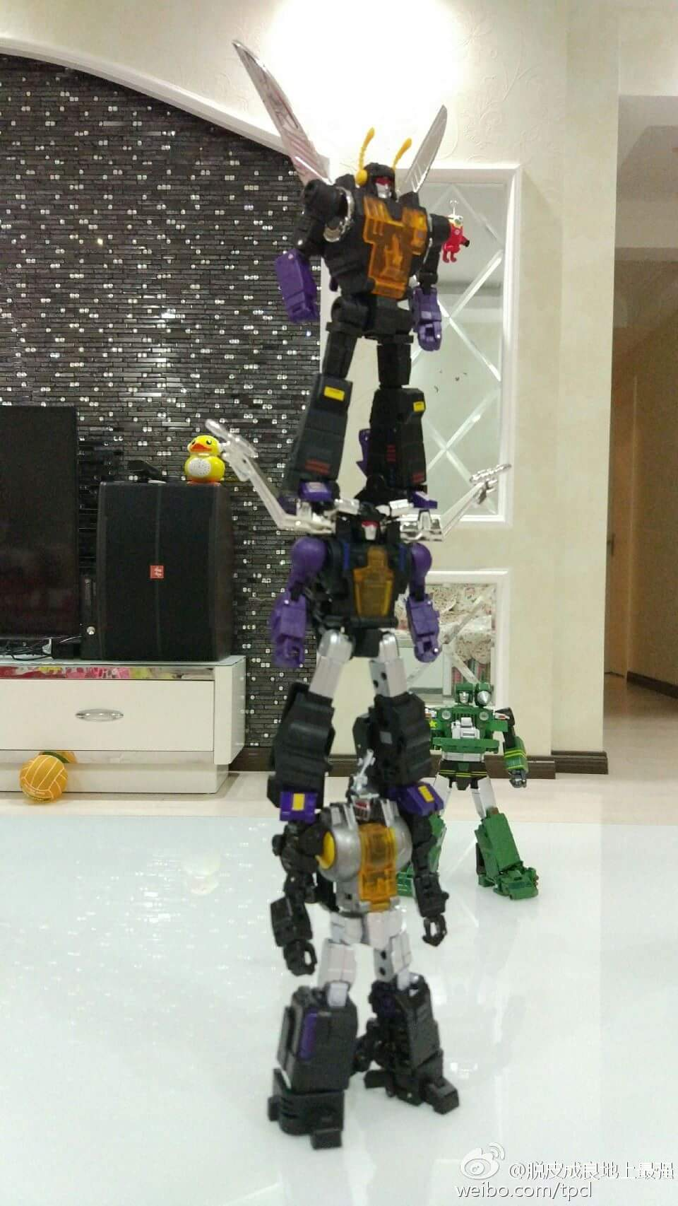 [Fanstoys] Produit Tiers - Jouet FT-12 Grenadier / FT-13 Mercenary / FT-14 Forager - aka Insecticons - Page 4 T5OrJwjo
