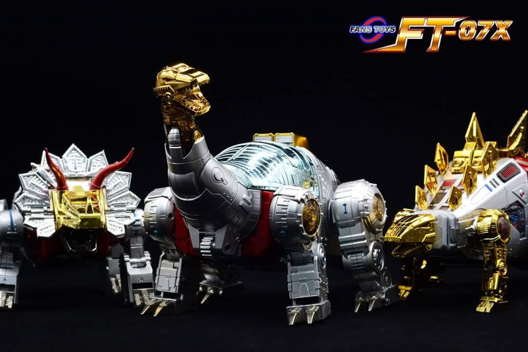 [Fanstoys] Produit Tiers - Dinobots - FT-04 Scoria, FT-05 Soar, FT-06 Sever, FT-07 Stomp, FT-08 Grinder - Page 9 G1VivG2x