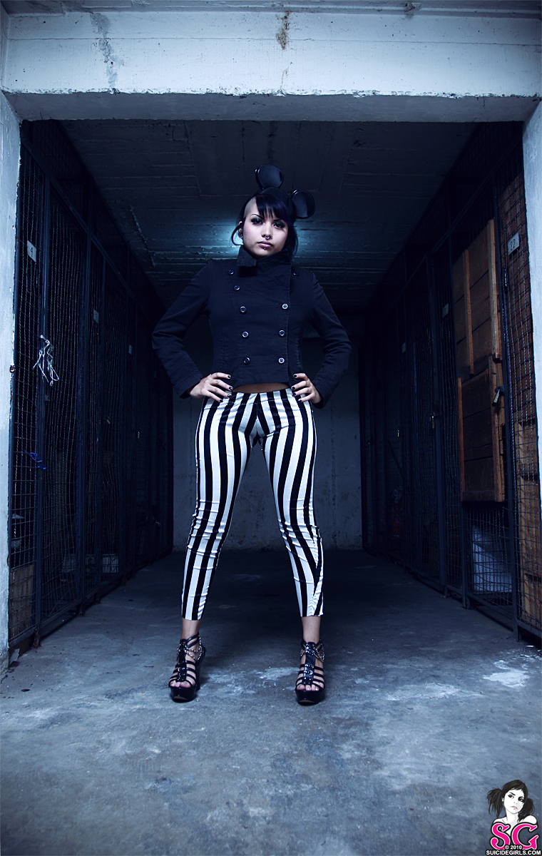The Bright Young Things - Noidd (Suicide Girls)