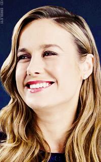 Brie Larson C3dGOyJo