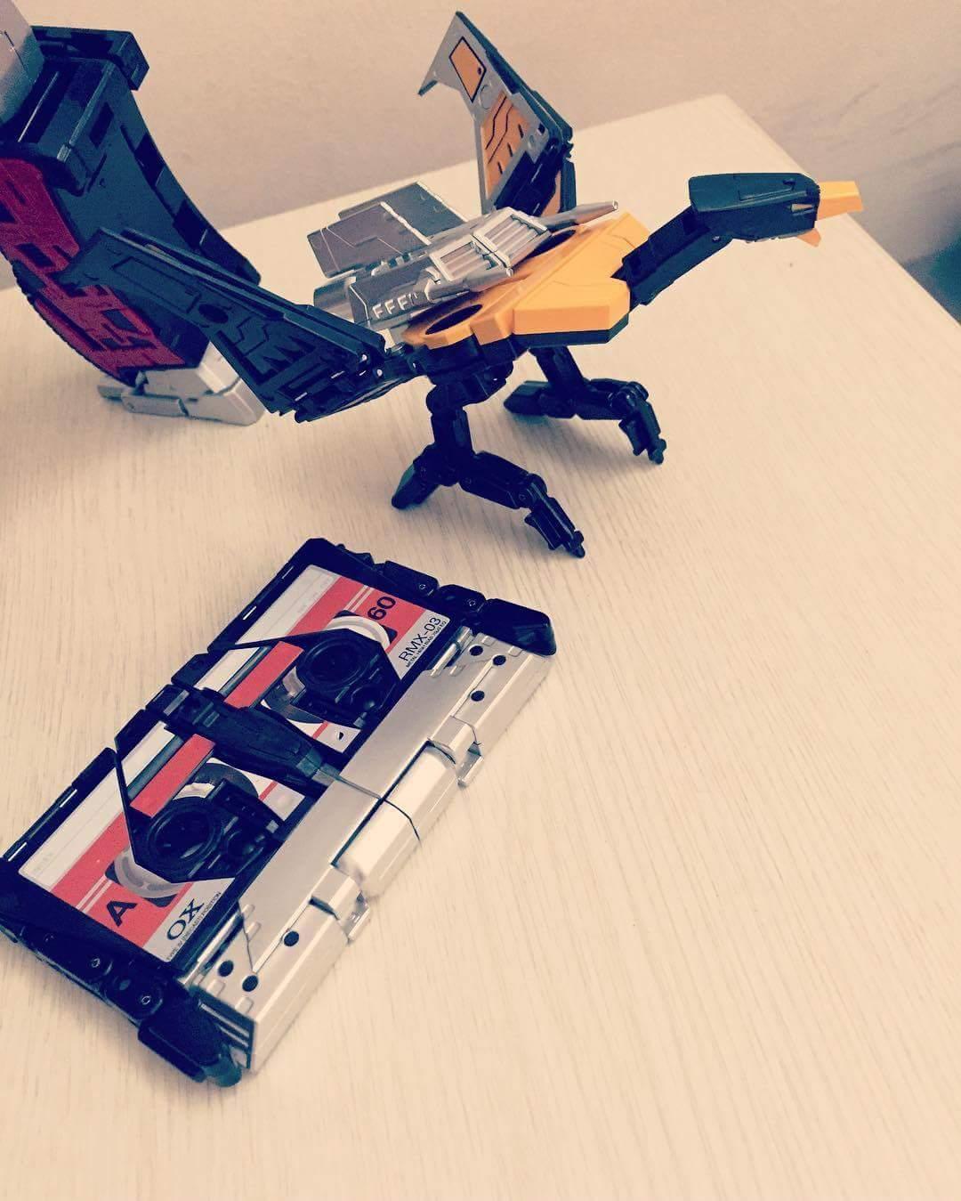 [Ocular Max] Produit Tiers - REMIX - Mini-Cassettes Autobots et Décepticons (surdimensionnées) - Page 2 Y3d6Zo6F