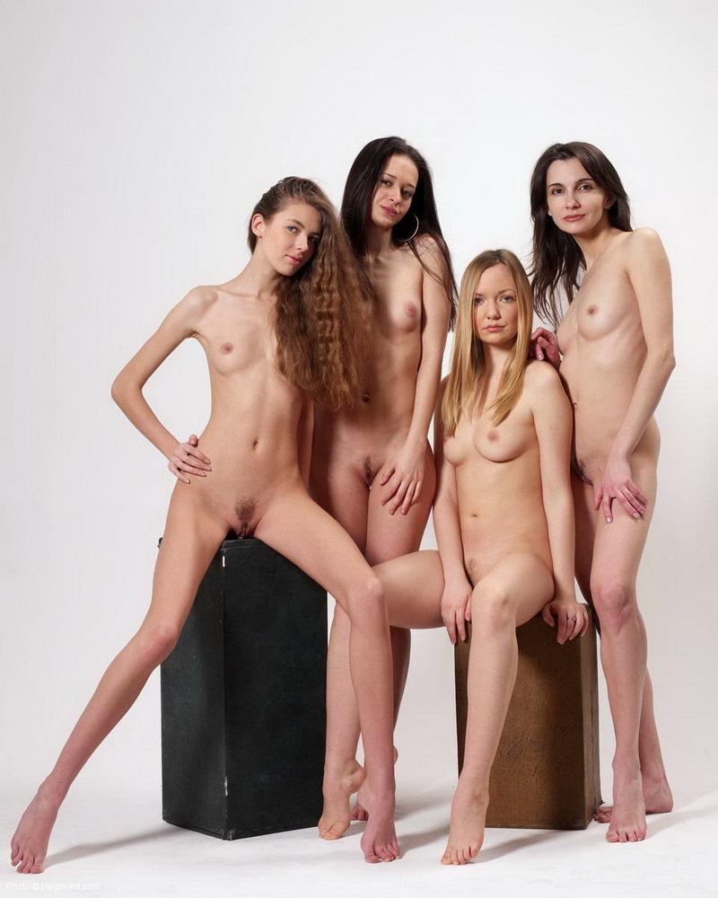 Familias Desnudas: http://xxgasm.com/familias-desnudas/