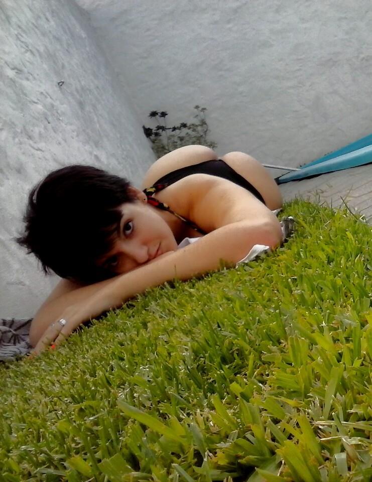 Rebeca putita de facebook - 1 part 8