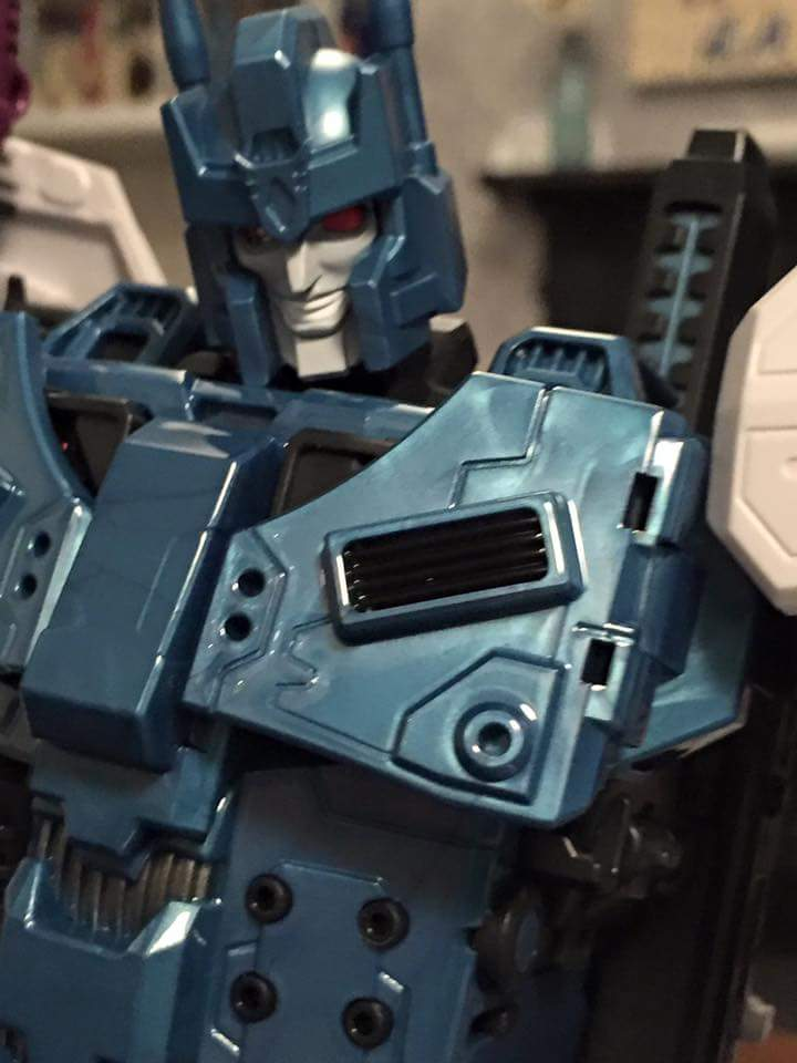 [Mastermind Creations] Produit Tiers - R-17 Carnifex - aka Overlord (TF Masterforce) - Page 3 8mVdAx2P