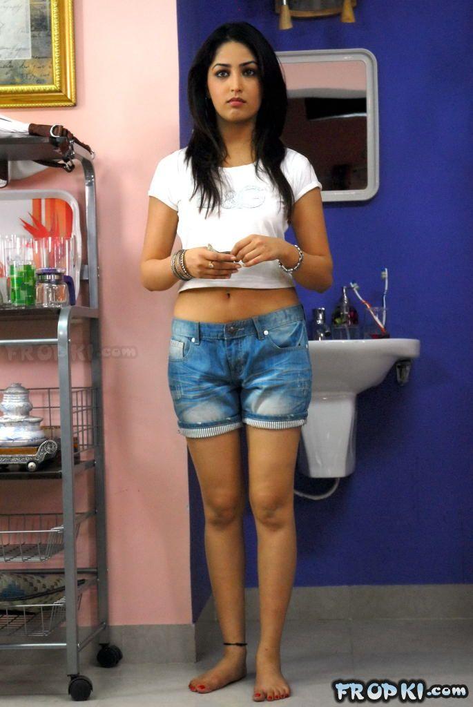 Yami Gautam Denim shorts Abs6KO2W