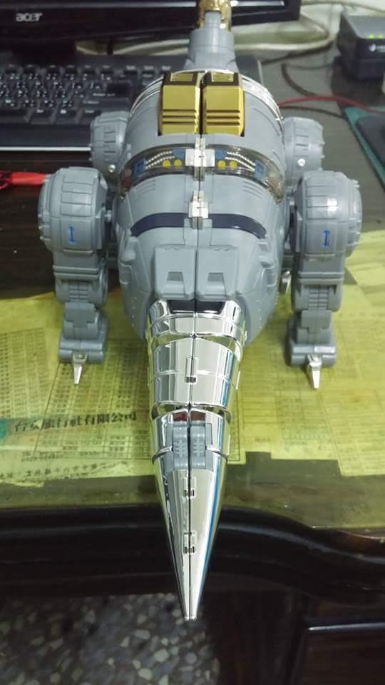 [Fanstoys] Produit Tiers - Dinobots - FT-04 Scoria, FT-05 Soar, FT-06 Sever, FT-07 Stomp, FT-08 Grinder - Page 9 RaHyIVUN