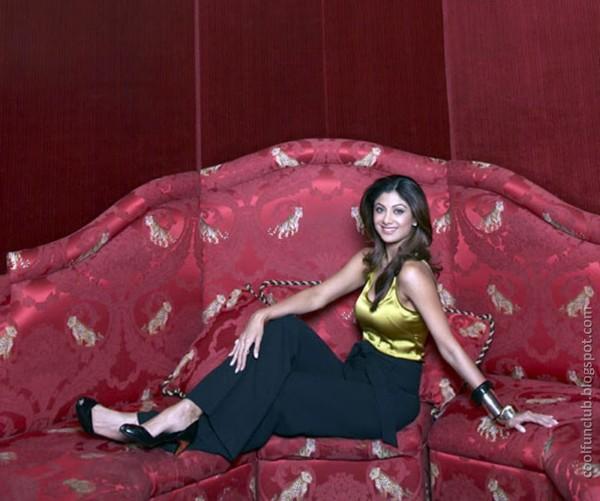 Shilpa Shetty Suprising AbtvcdiZ