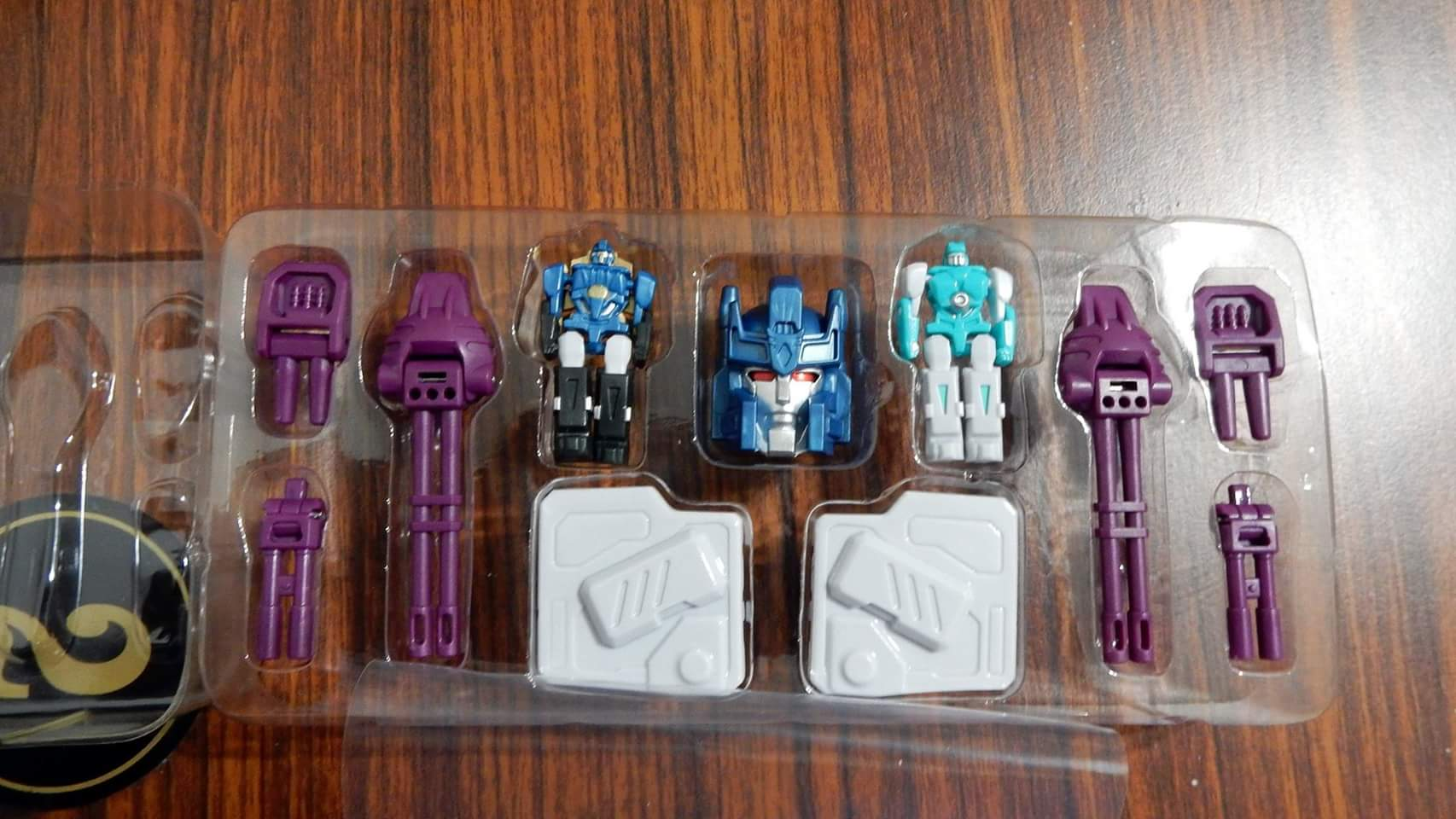 [Mastermind Creations] Produit Tiers - R-17 Carnifex - aka Overlord (TF Masterforce) - Page 3 6GEcrNZY