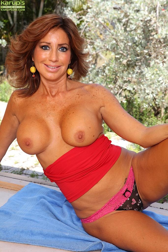 tara holiday actriz porno francesa