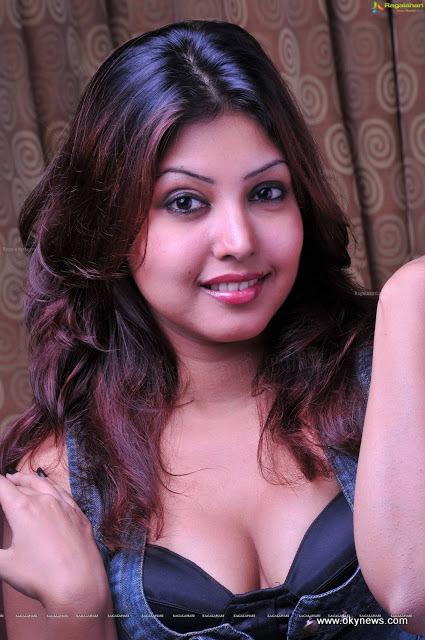 Komal Jha Latest Hot Photoshoot Stills#1 13 images Adpl1jmf