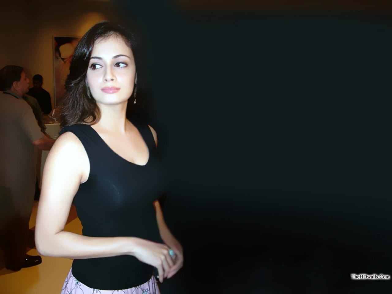 Bollywood Diya Mirza Wallpapers AcjCymV0