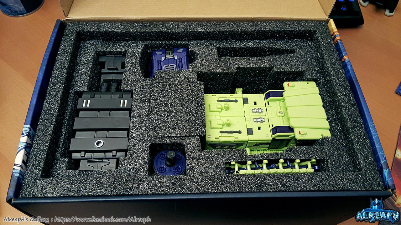 [Toyworld] Produit Tiers - Jouet TW-C Constructor aka Devastator/Dévastateur (Version vert G1 et jaune G2) - Page 5 H7MmlvXU