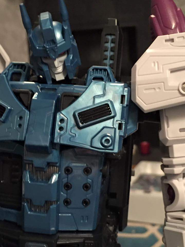 [Mastermind Creations] Produit Tiers - R-17 Carnifex - aka Overlord (TF Masterforce) - Page 3 ABrxvS2w